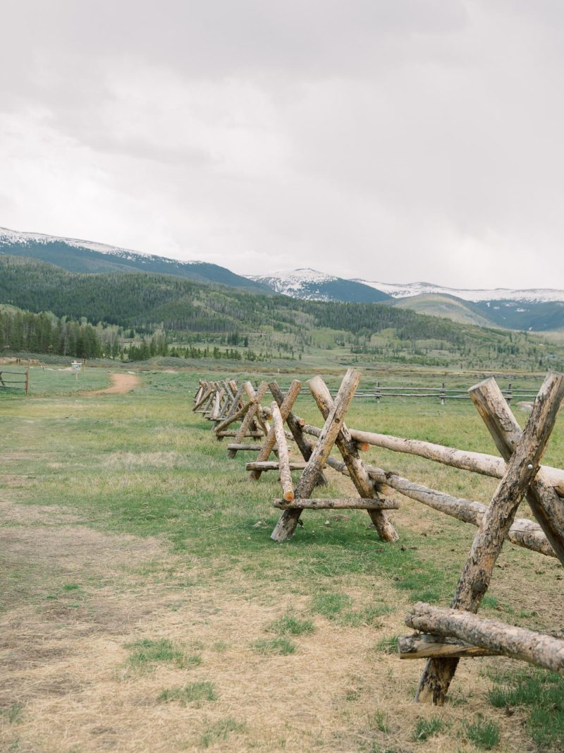 devils-thumb-ranch-wedding-colorado
